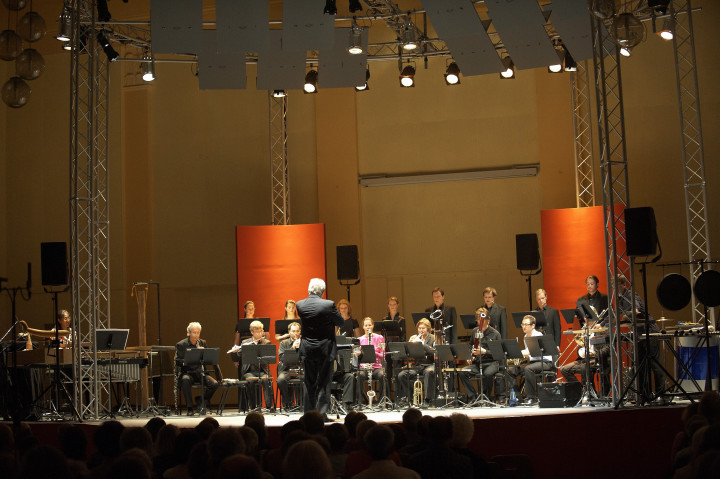 L'Ensemble Modern & Exaudi Philippe Stirnweiss