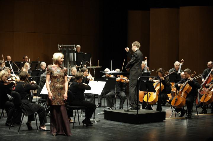 Donatienne Michel-Dansac et l'Orchestre Philharmonique de Strasbourg Philippe Stirnweiss