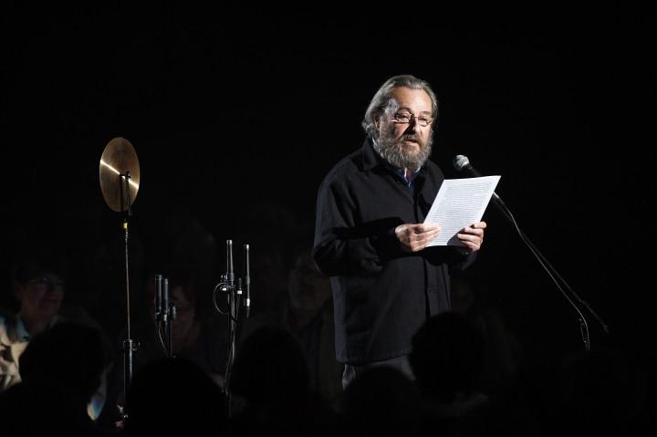 """""""Le Noir de l'Etoile"""" / André Pomarat récite le texte de Jean-Pierre Luminet (astrophysicien) Philippe Stirnweiss"""