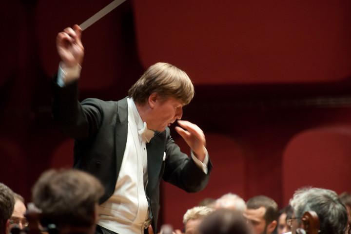 Marko Letonja dirige l'Orchestre philharmonique de Strasbourg Philippe Stirnweiss