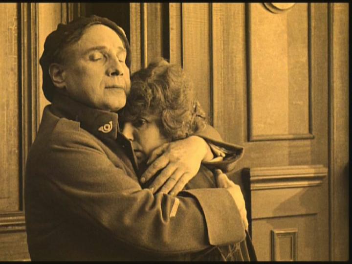 C:\fakepath\6. J' accuse_1_Francois sieht seine Frau Edith nach 4 Kriegsjahren wieder.jpg