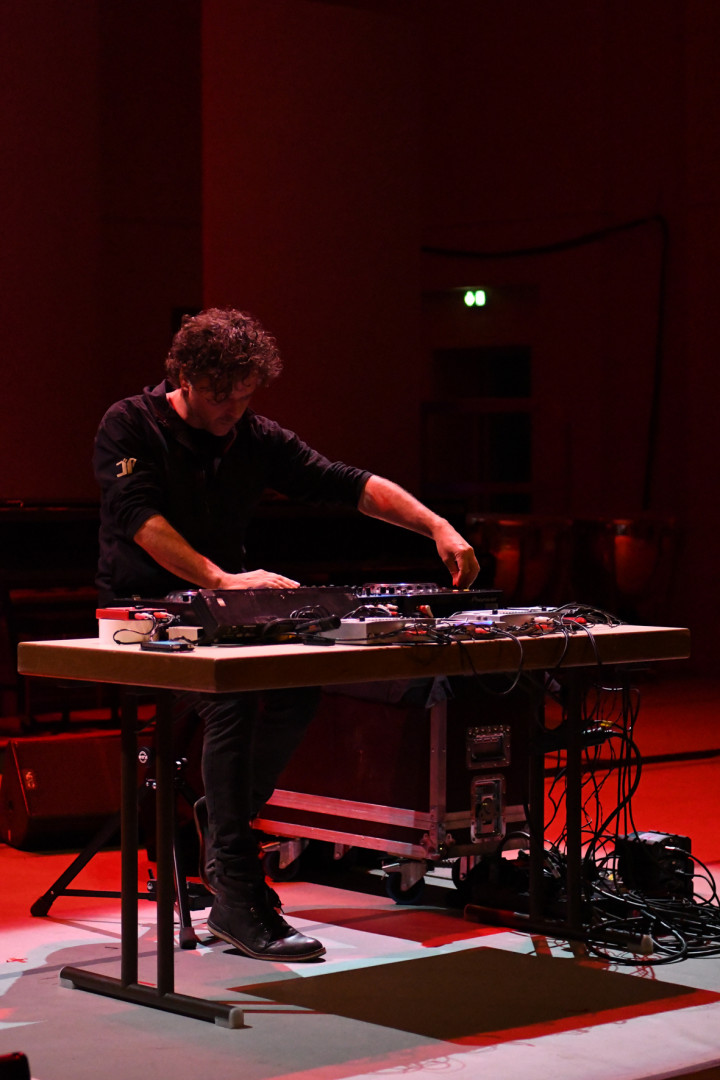 C:\fakepath\27-ELECTRO-A.JPG Guillaume Chauvin