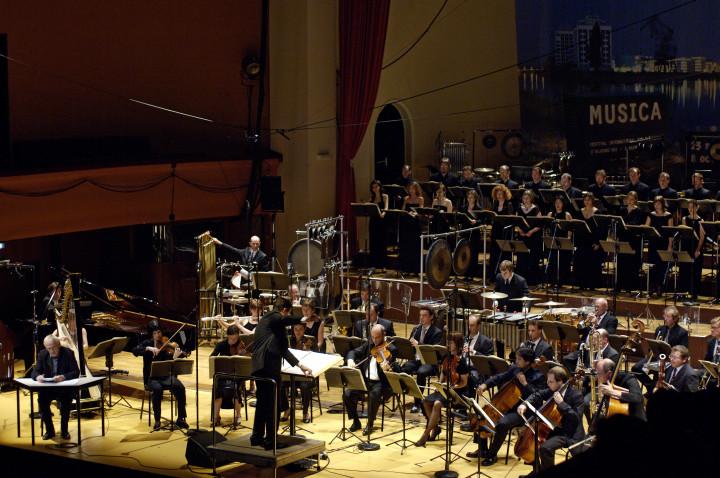 L'Ensemble intercontemporain et Accentus Christian Creutz