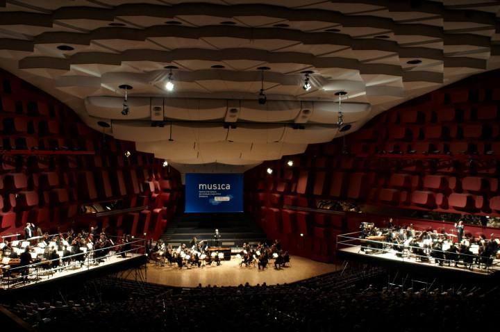 """L'Orchestre de Liège joue """"Gruppen"""" de K. Stockhausen Philippe Stirnweiss"""