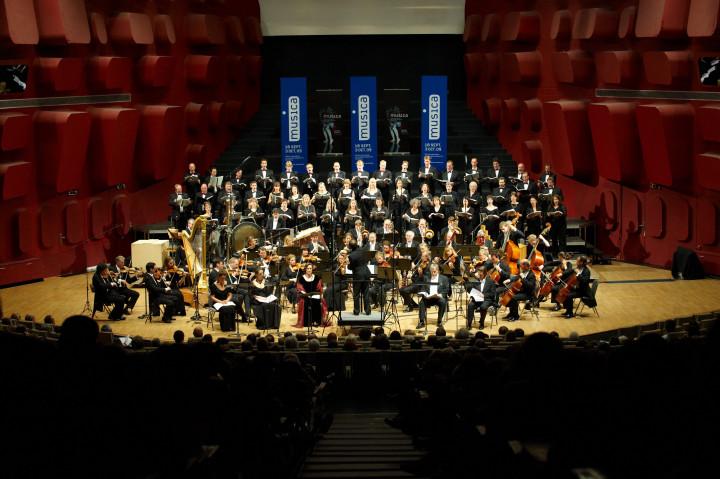 N° 21 Radio-Sinfonieorchester Stuggart des SWR / Gäghinger Kantorei Stuttgart Philippe Stirnweiss