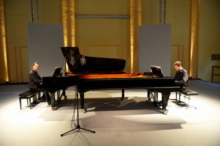 N° 23 Jean-Sébastien Dureau / Vincent Planès, piano Philippe Stirnweiss