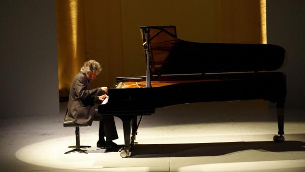 François-Frédéric Guy, piano